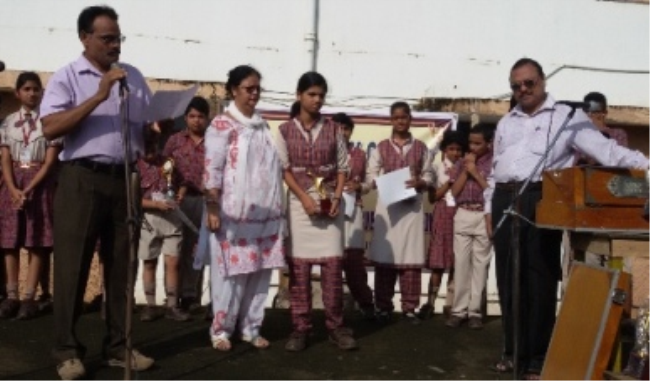 Students receiving prizes